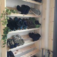 DIY,シューズラック,玄関,ツーバイフォー,ディアウォール,八幡ねじ,アジャスター金具,手作り,ボンド,靴,収納